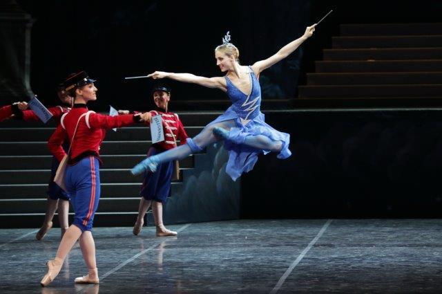EXCELSIOR - Virna Toppi  foto Brescia-Amisano Teatro alla Scala K65A8595 x
